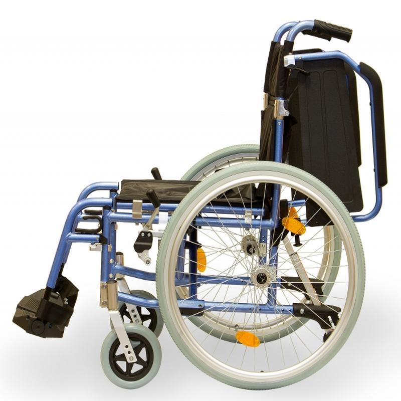 adult-self-propel-wheelchair-standard-size-armrests-swing-away